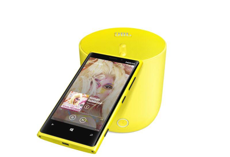 1-jbl-playup-portable-wireless-speaker-for-nokia-with-nokia-lumia-920