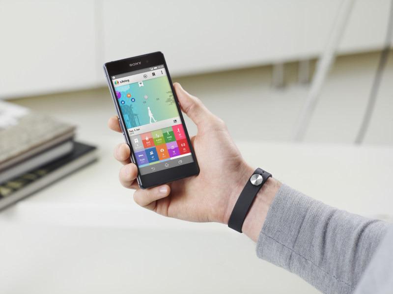 mwc-4-1-smartband-1