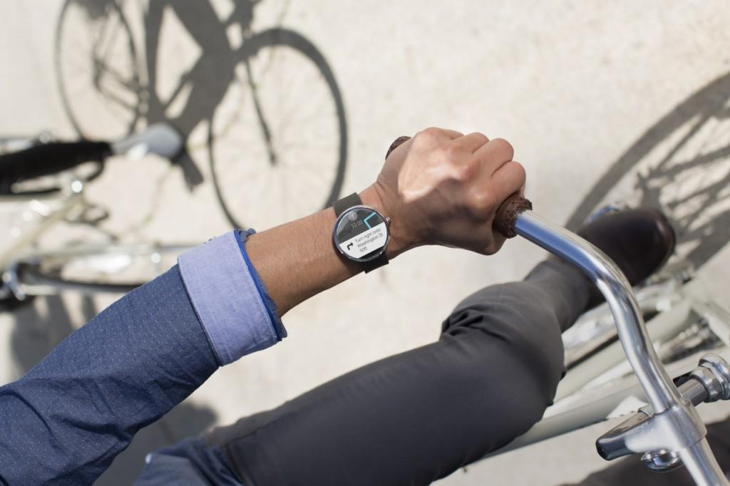 smartwatch-motorola-360-0001-1