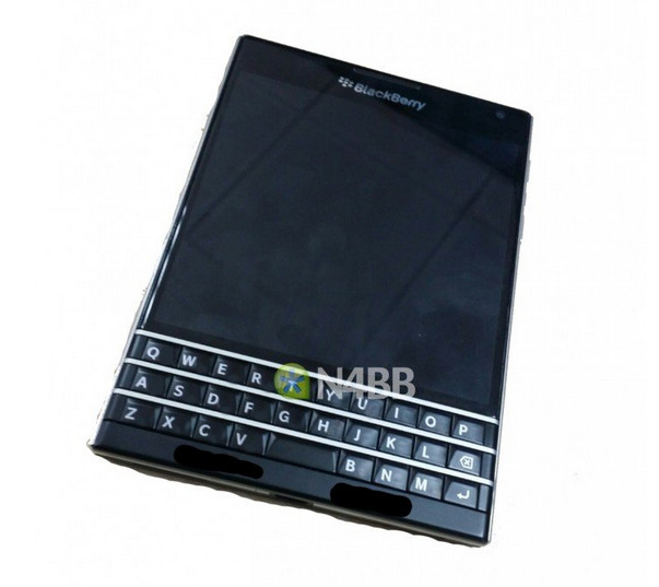pictures-of-the-blackberry-q30-aka-windermere