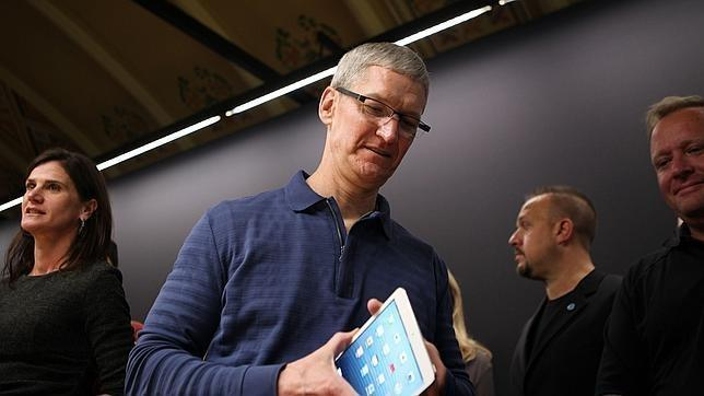 650_1000_tim-cook-ipad