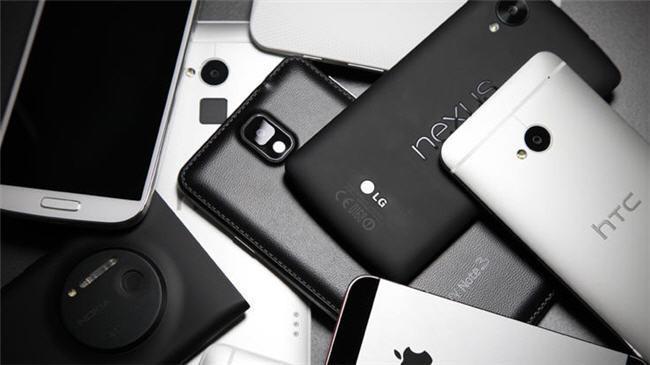 650_1000_smartphones-back