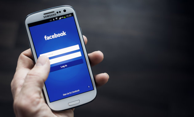 facebook-home-smartphone
