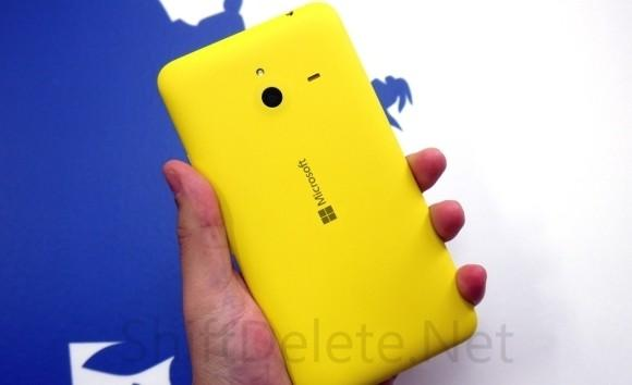 650_1000_lumia_1320_yellow_rear