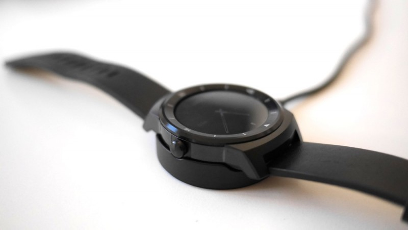 LG G Watch R_base_recarga