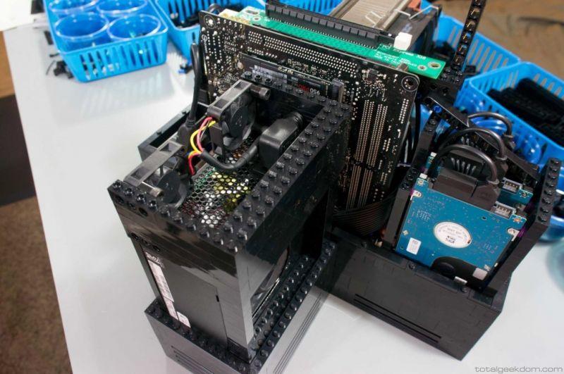 Lego Gaming Computer-08
