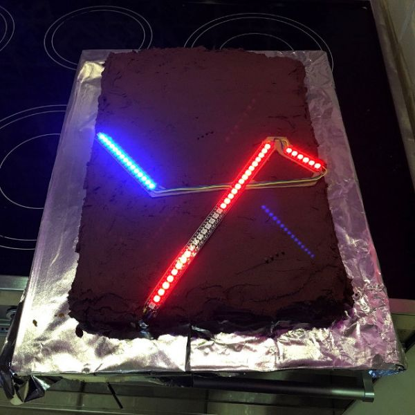 lightsaber-birthday-cake-3