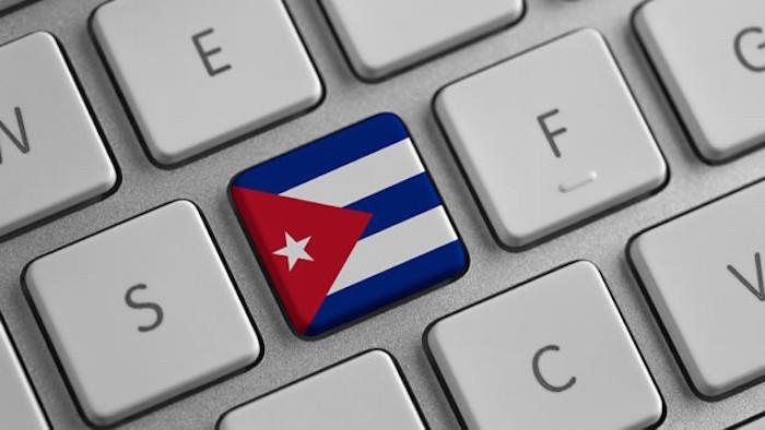 cuba-flag-keyboard