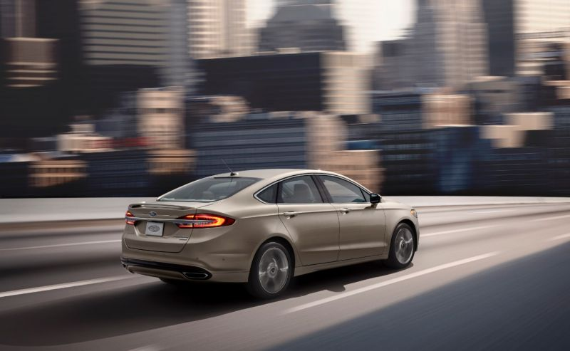 FordFusion2017-1