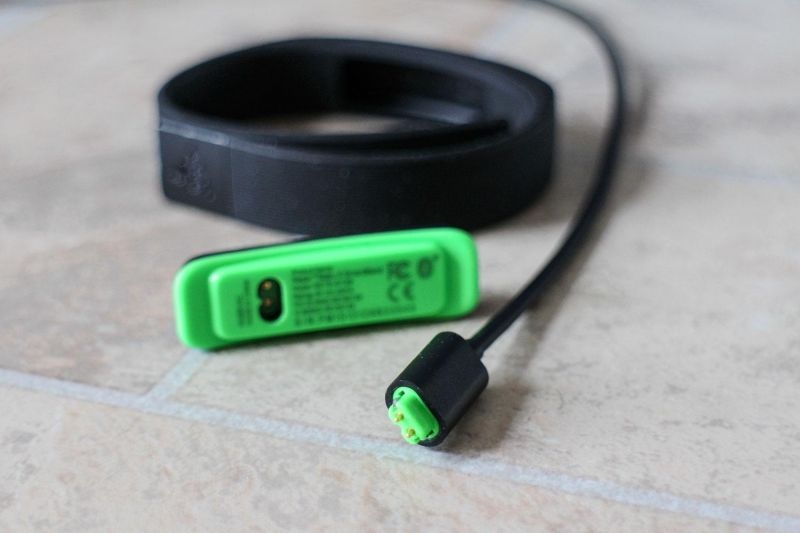 razer-nabu-x-dock-cable