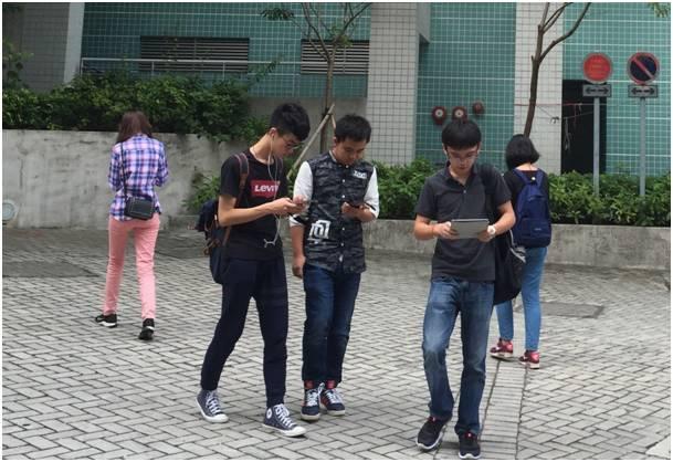 usando-smartphone-02