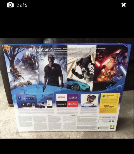PlayStation 4 Slim 05