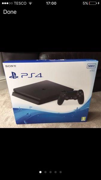 PlayStation 4 Slim 06
