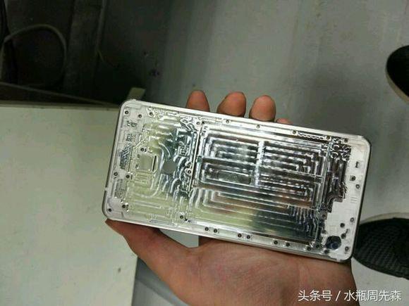 nokia-smartphone-metal-05
